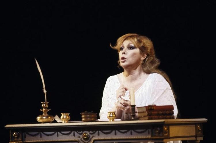 17 Mirella Freni in EUGENIO ONEGHIN 1986 photo by Lelli e Masotti © Teatro alla Scala
