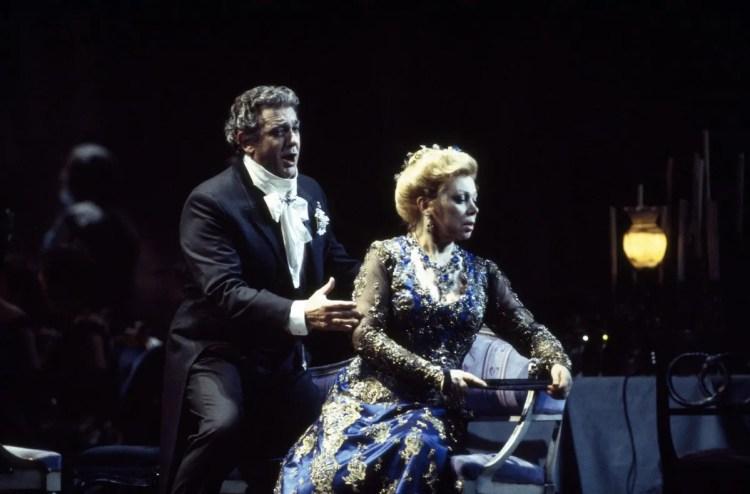 20 Mirella Freni in FEDORA 1993 with Placido Domingo photo by Lelli e Masotti © Teatro alla Scala