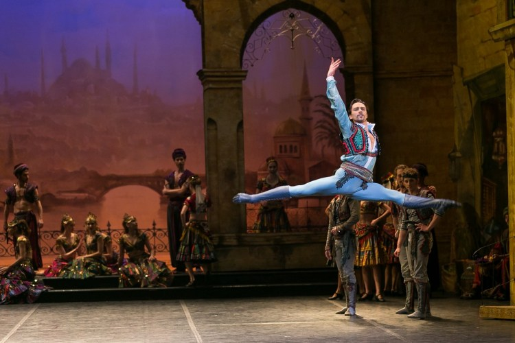 08 English National Ballet in Le Corsaire with Francesco Gabriele Frola @ Dasa Wharton