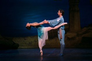 18 English National Ballet in Le Corsaire with Erina Takahashi and Francesco Gabriele Frola @ Dasa Wharton
