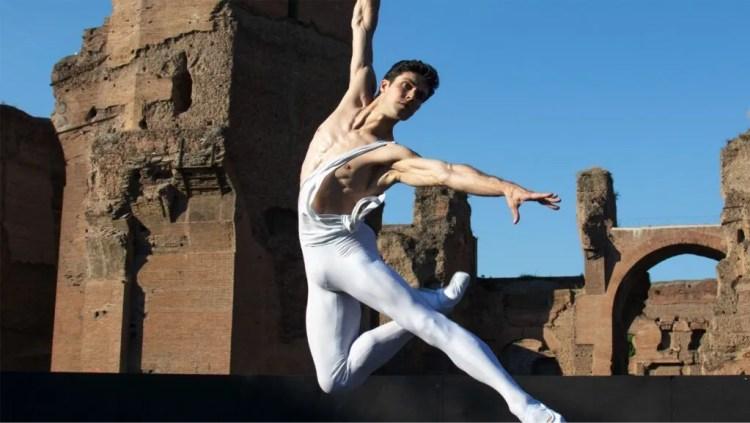 Roberto Bolle at the Caracalla Baths © Teatro dell'Opera di Roma