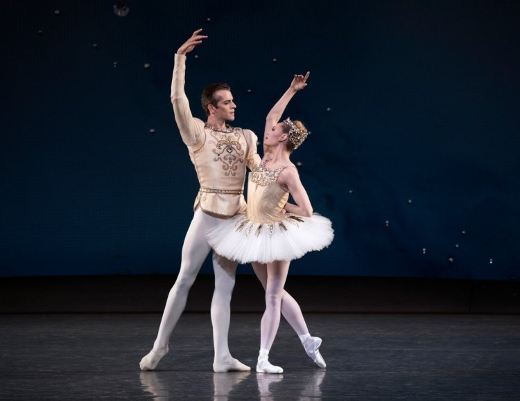 Sara Mearns and Russell Janzen of New York City Ballet in Balanchine's Diamonds, photo by Erin Baiano