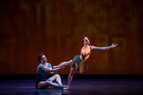 Within the Golden Hour. Lauren Cuthbertson and Matthew Golding. © ROH, 2015. Photographed by Bill Cooper