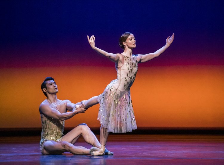 Within the Golden Hour. Ryoichi Hirano and Lauren Cuthbertson. © ROH, 2019. Photographed by Tristram Kenton