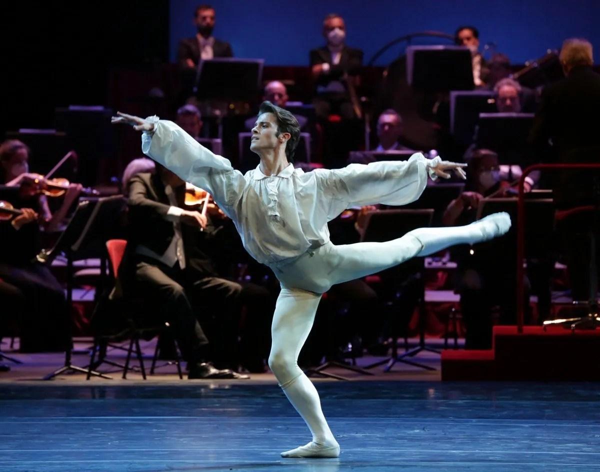 Ballet Gala - La bella addormentata - Claudio Coviello, photo by Brescia e Amisano Teatro alla Scala (3)