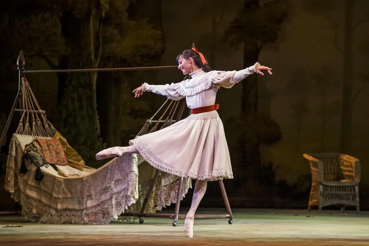 Francesca Hayward as Dorabella in Enigma Variations, The Royal Ballet © 2019 ROH. Photograph by Tristram Kenton