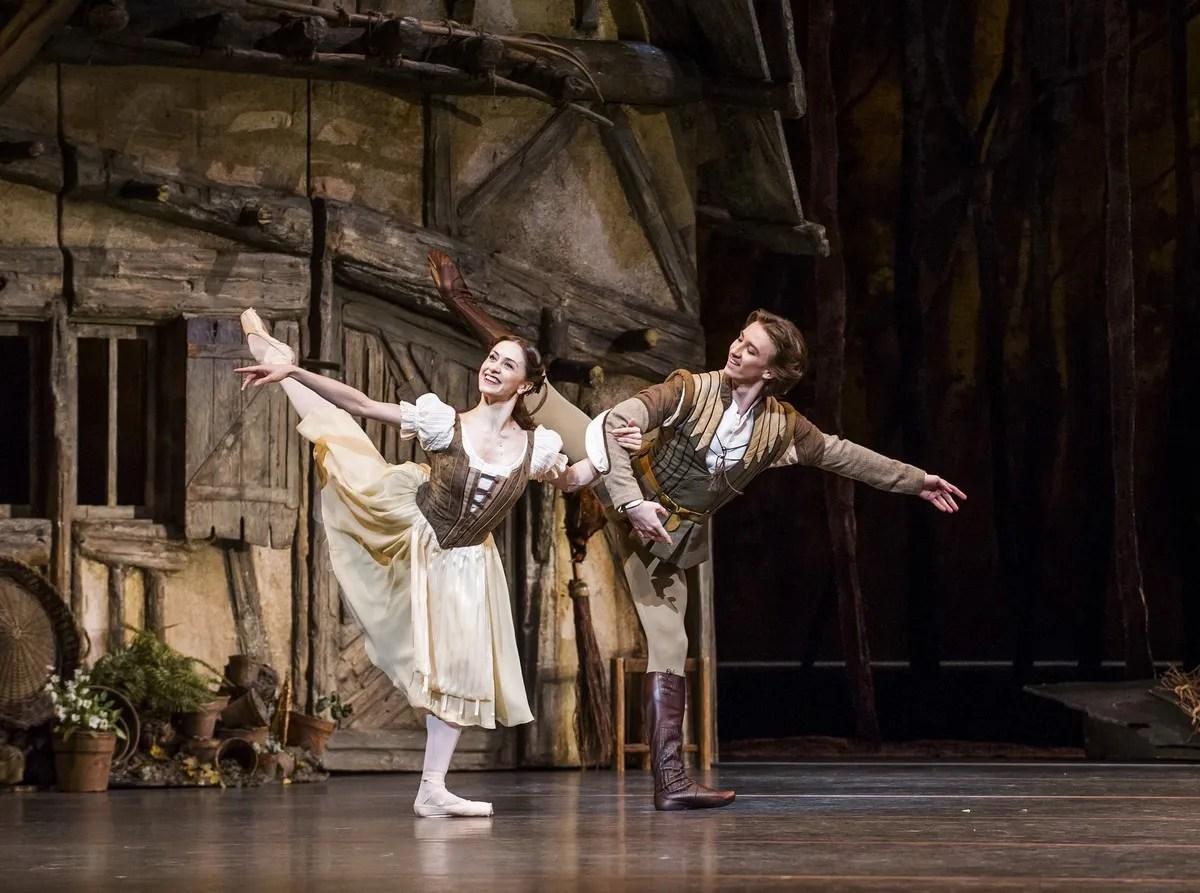Marianela Nuñez and Vadim Muntagirov in Giselle © ROH 2016. Photographer Tristram Kenton