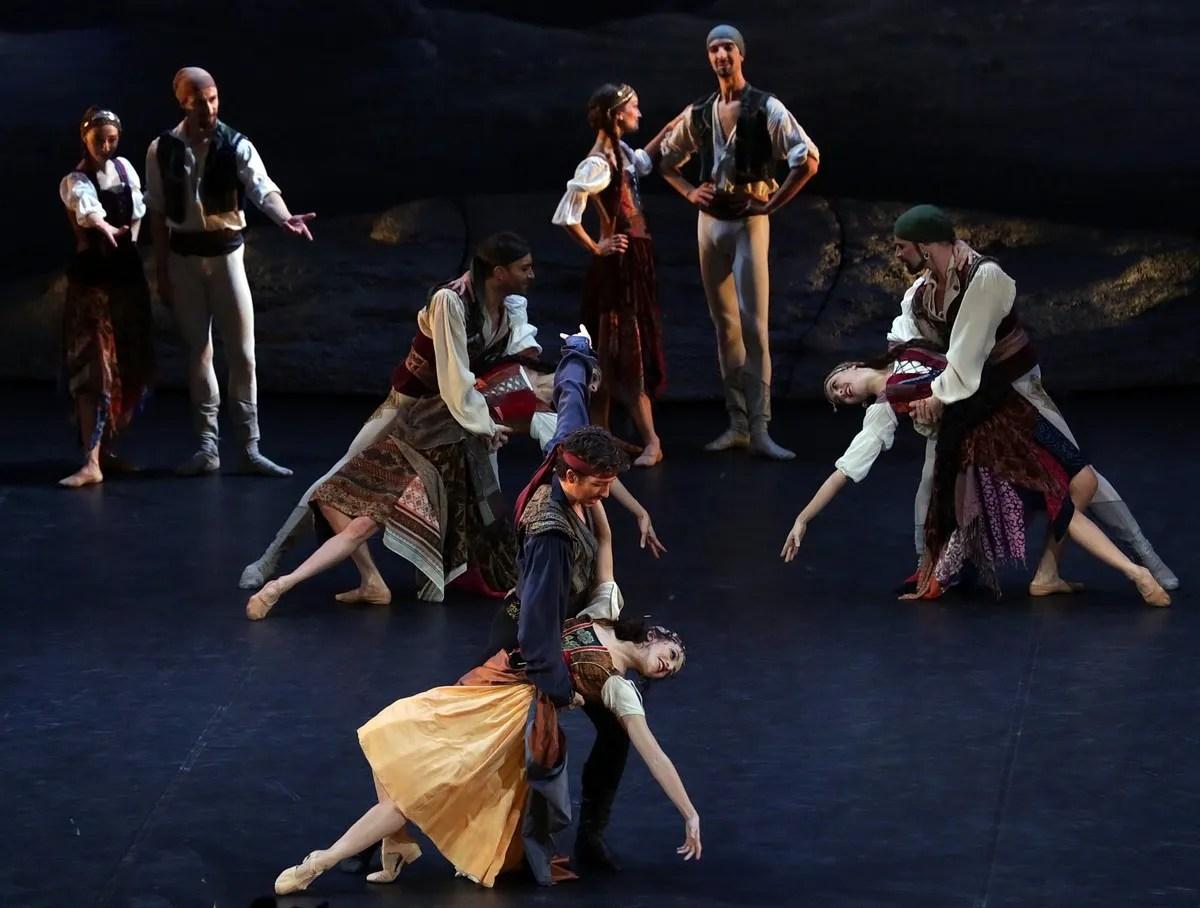 Le Corsaire with Antonella Albano and Mattia Semperboni, photo by Brescia e Amisano ©Teatro alla Scala
