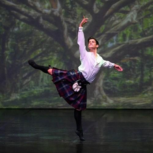 António Casalinho as James in Maina Gielgud's La Sylphide, Photo by Tomé Gonçalves, Conservatorio Internacional de Ballet e Dança Annarella Sanchez