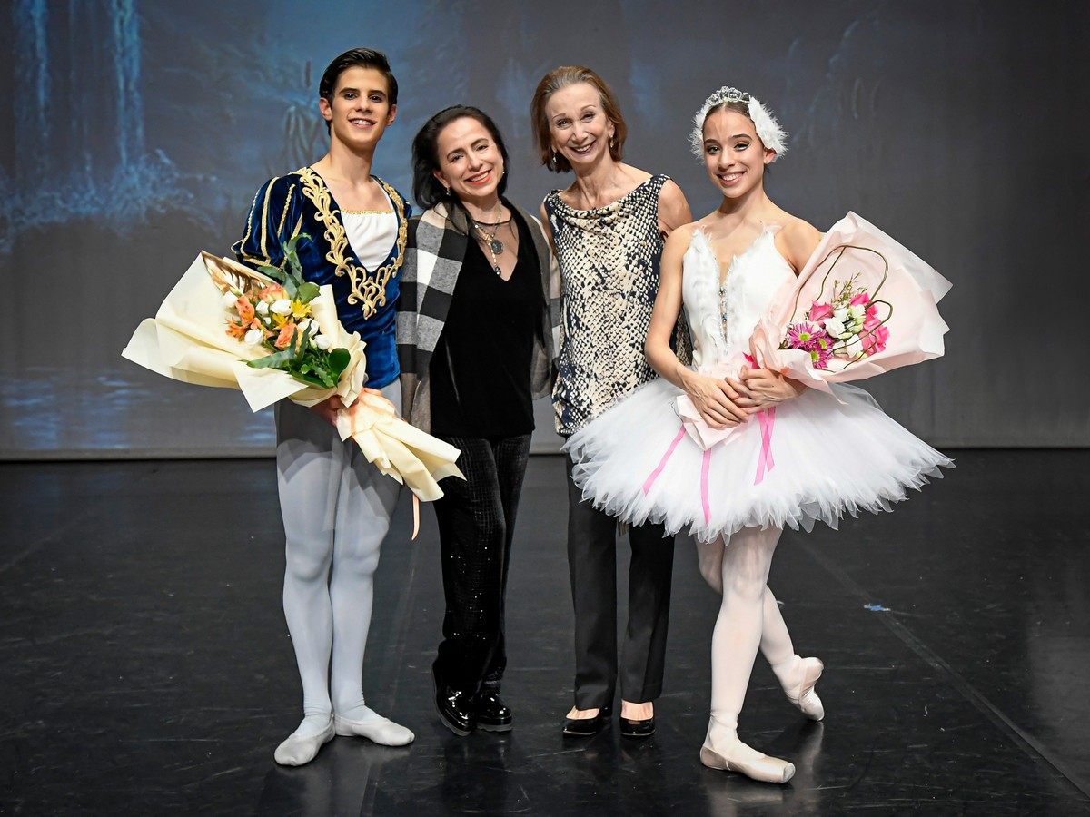 António Casalinho,Annarella Sanchez, Maina Gielgud and Margarita Fernandes after Swan Lake in December 2020