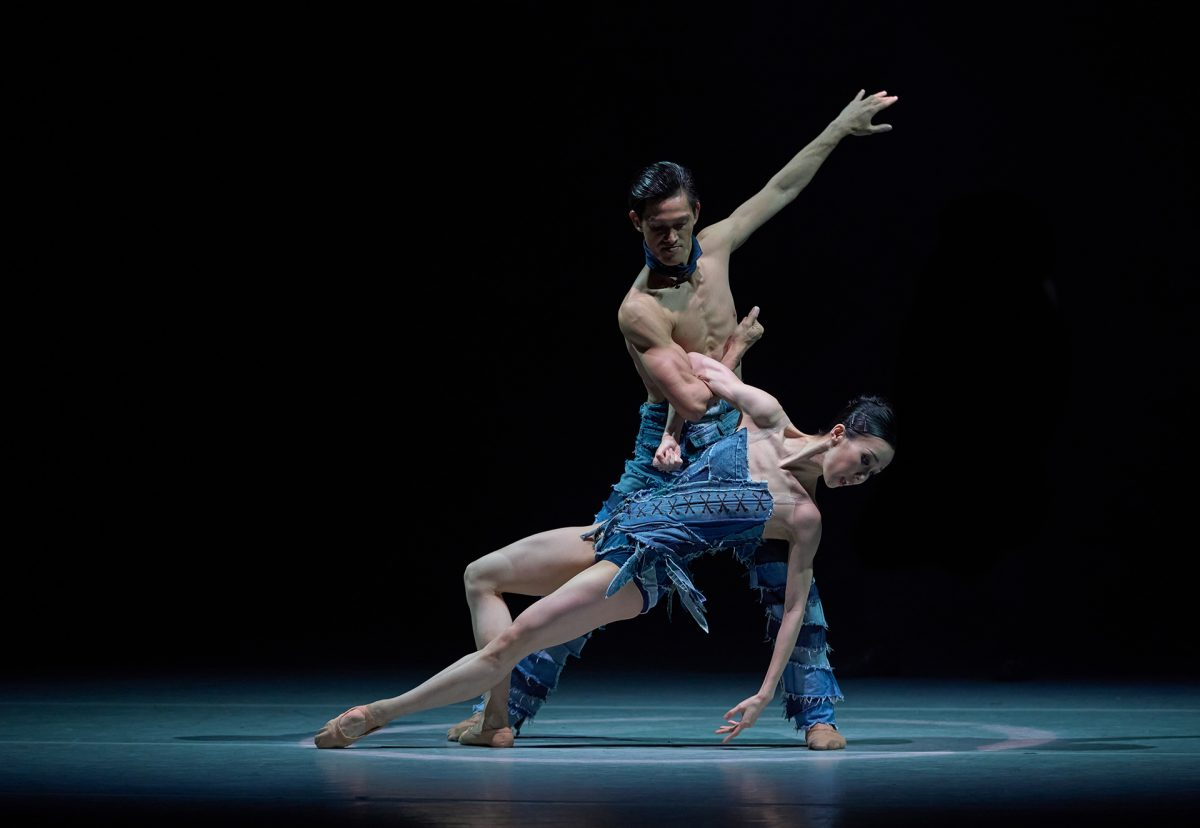 Dancers (from left) Garry Corpuz, Chen Zhiyao, photography by Conrad Dy-Liacco