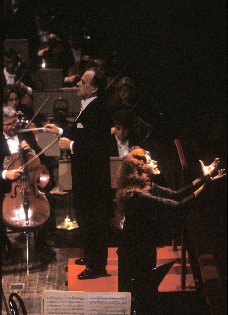 1989 concert with Zoltan Peskó, photo by Lelli e Masotti © Teatro alla Scala