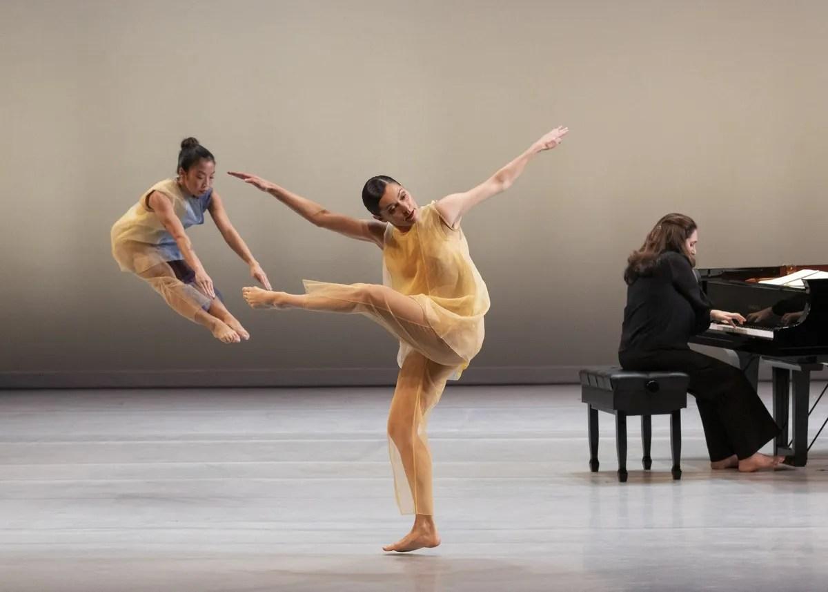 Goldberg Variations - Pam Tanowitz Dance, photo by Erin Baiano