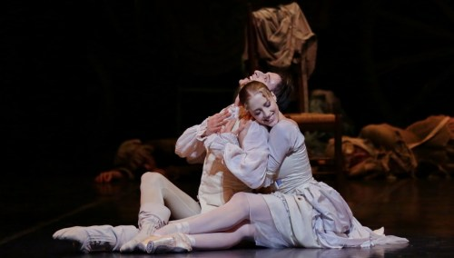 Virna Toppi and Marco Agostino in Manon, photo by Brescia e Amisano, Teatro alla Scala