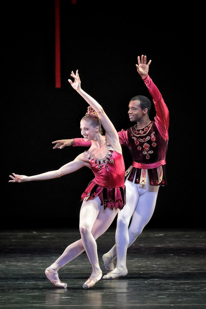 Virna Toppi in George Balanchine's Rubies with Osiel Gouneo, photo by Wilfred Hoesl, Bavarian State Ballet 2019