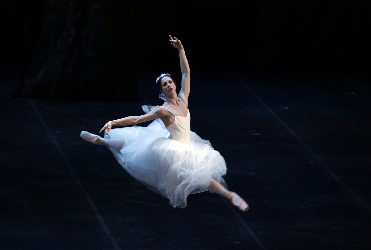 Virna Toppi as Myrtha, photo by Brescia e Amisano ©Teatro alla Scala