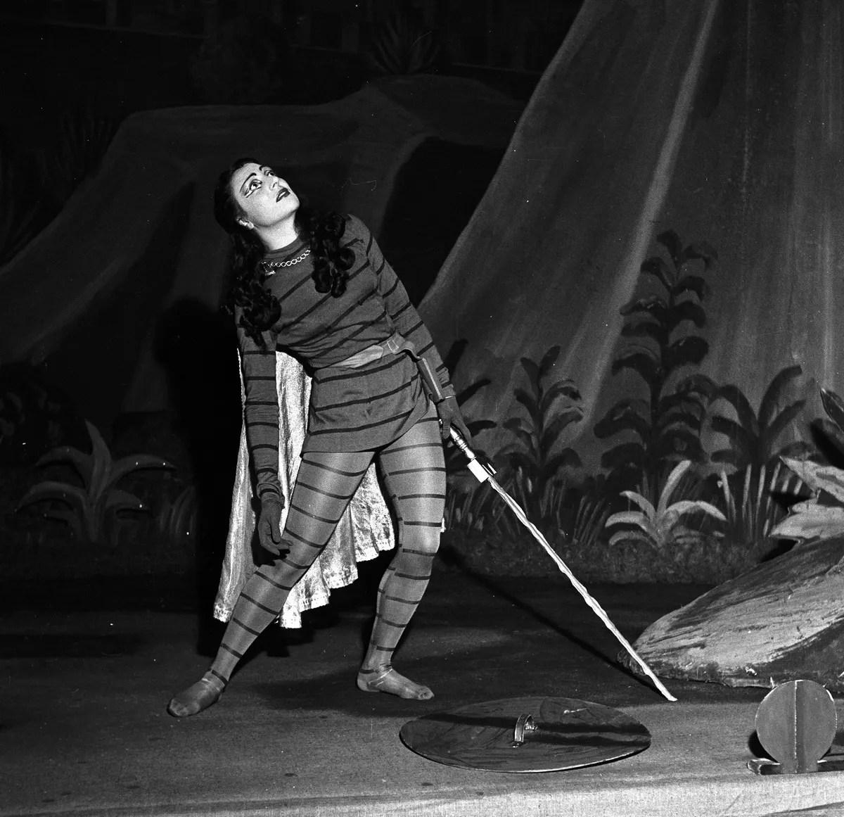 1951 Luciana Novaro in Il combattimento di Tancredi and Clorinda, photo by Erio Piccagliani © Teatro alla Scala