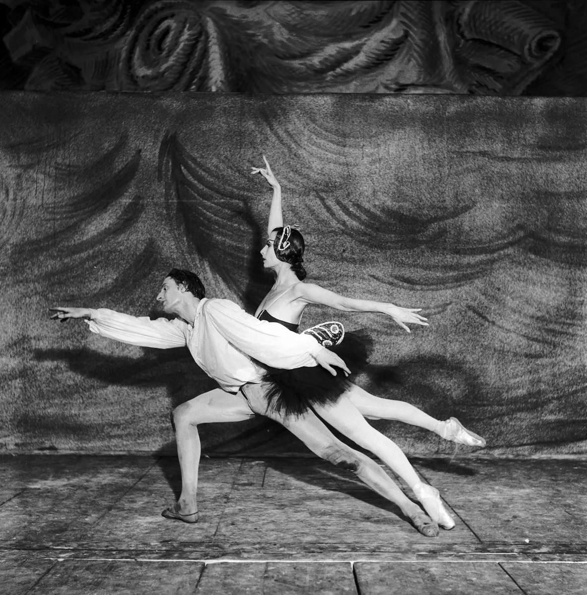 1951 Luciana Novaro in Vita dell'uomo with Ugo dell'Ara, photo by Erio Piccagliani © Teatro alla Scala