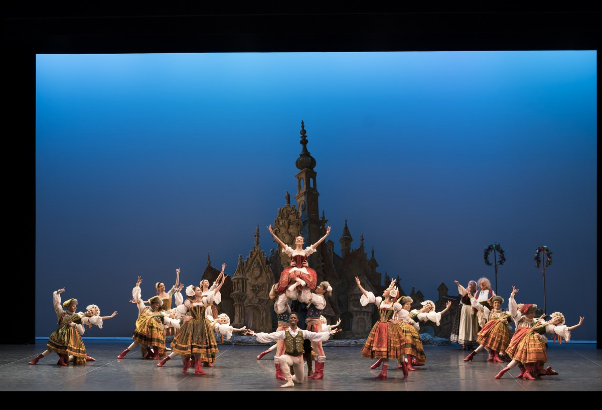 English National Ballet in Ronald Hynds Coppelia © Bill Cooper