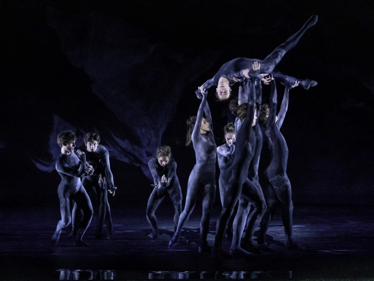 Artists of The Royal Ballet in Wayne McGregor's The Dante Project © 2019 ROH. Photograph by Cheryl Mann