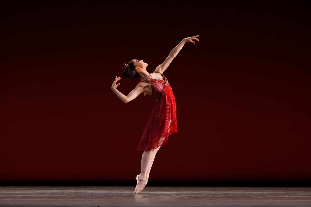 Ashley Bouder in Jerome Robbins' The Four Seasons, New York City Ballet, photo by Paul Kolnik © 2007 Paul Kolnik