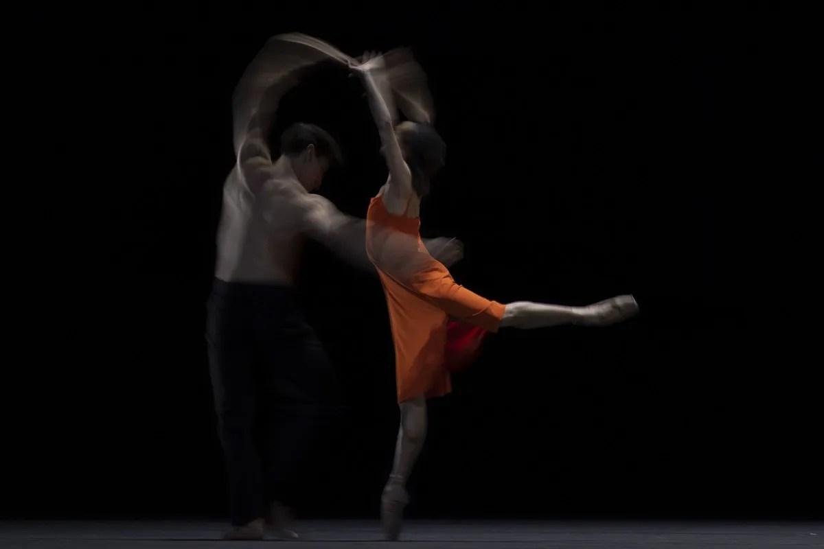 Francesca Hayward and Cesar Coralles in Morgen, The Royal Ballet ©2021 ROH. Photograph by Andrej Uspenski 4