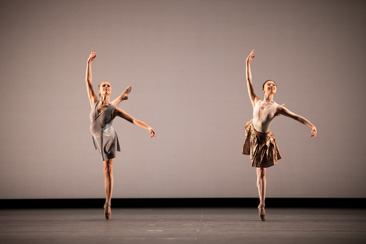 Gina Storm-Jensen and Yu Hang in Anemoi, The Royal Ballet ©2021 ROH. Photograph by Alice Pennefather
