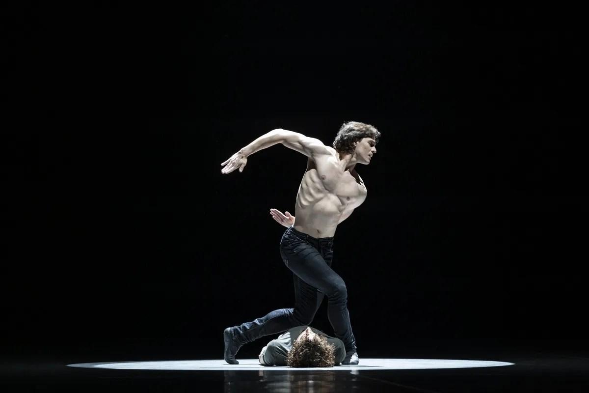 Jacopo Bellussi and Alessandro Frola in Peter and Igor, Nijinsky Gala, Hamburg 2021 28 © Kiran West