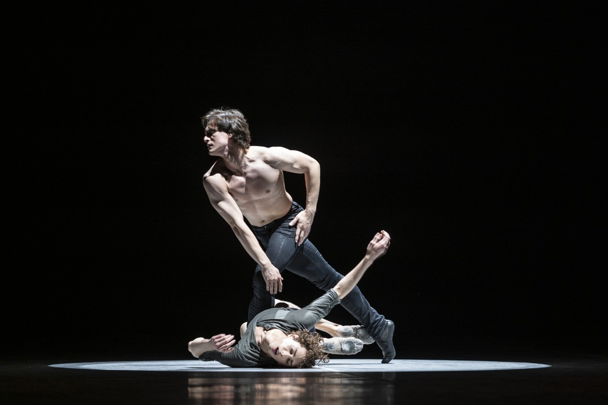 Jacopo Bellussi and Alessandro Frola in Peter and Igor, Nijinsky Gala, Hamburg 2021 29 © Kiran West
