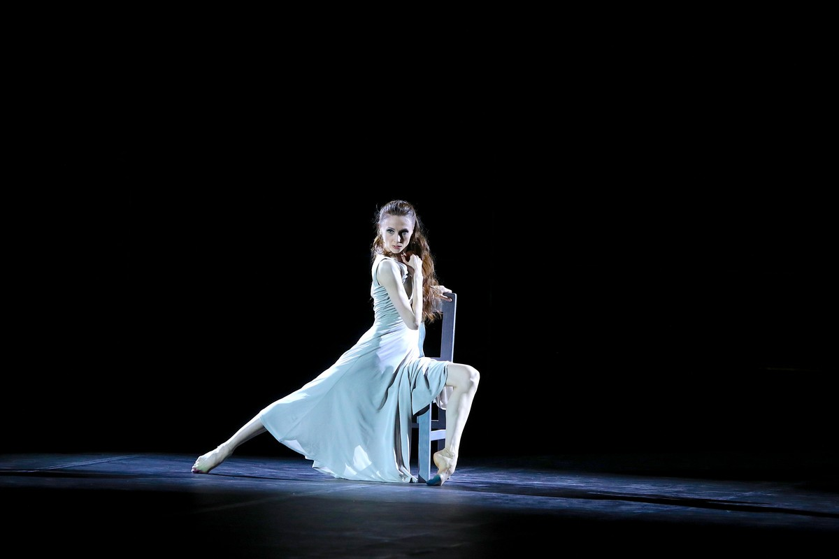 Revelation from Pas de deux for Toes and Fingers, photo by Marcello Orselli, Teatro Carlo Felice - 357