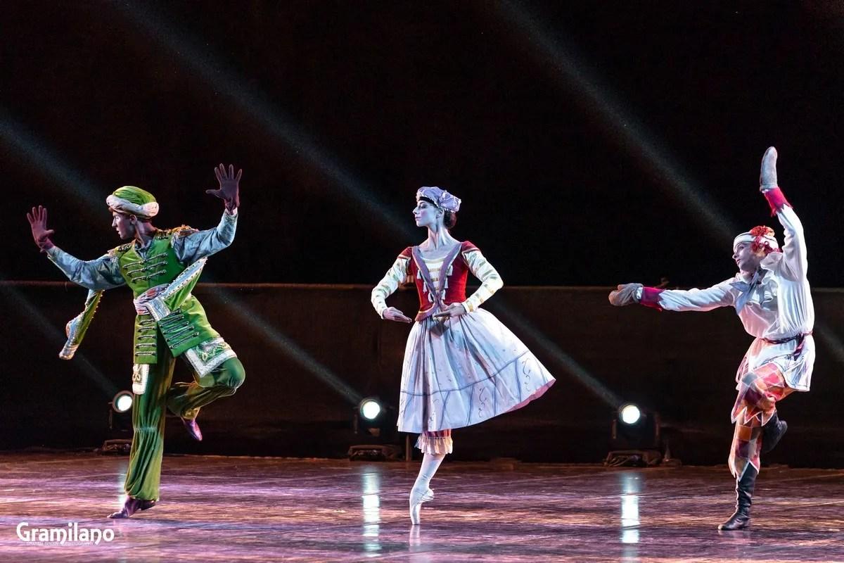 Tommaso Beneventi, Susanna Elviretti and Mattia Tortora in Petrushka, Stravinsky's Love © Graham Spicer