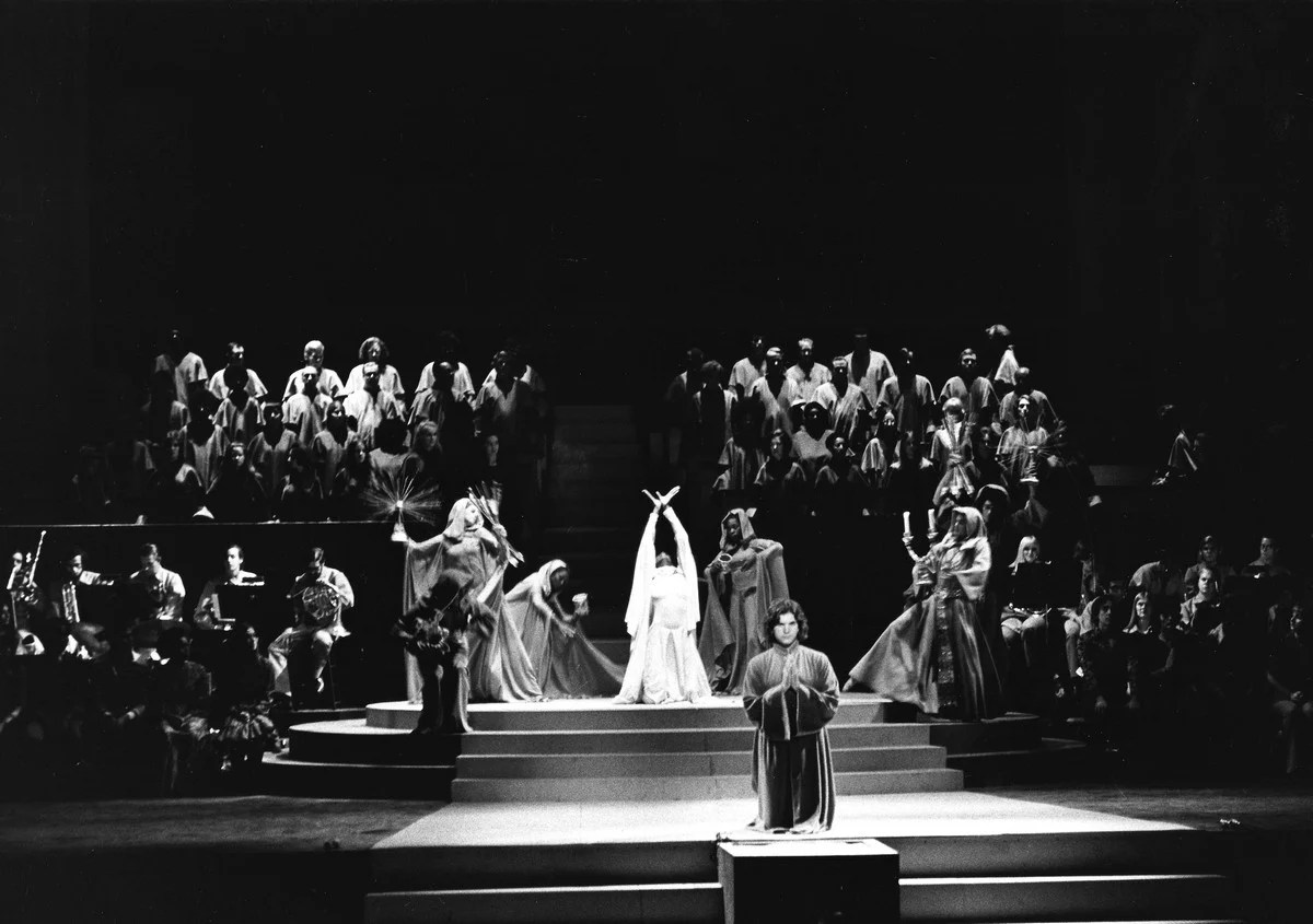 Bernstein MASS 1971 production 1 (by Fletcher Drake) Courtesy of the Kennedy Center Archives