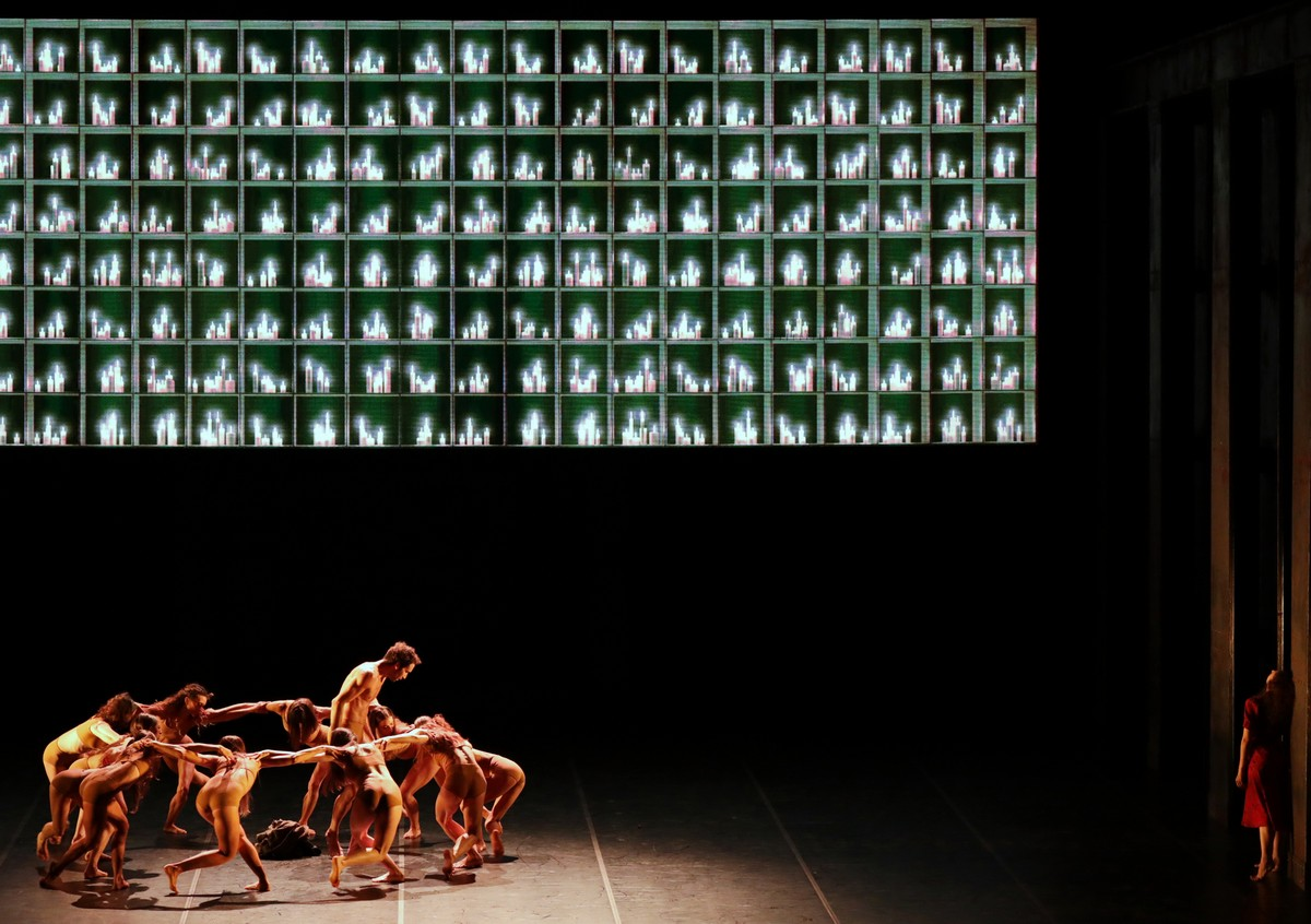 Madina - 20 - Gabriele Corrado, Antonella Albano and the corps de ballet, photo by Brescia e Amisano ©Teatro alla Scala (1)