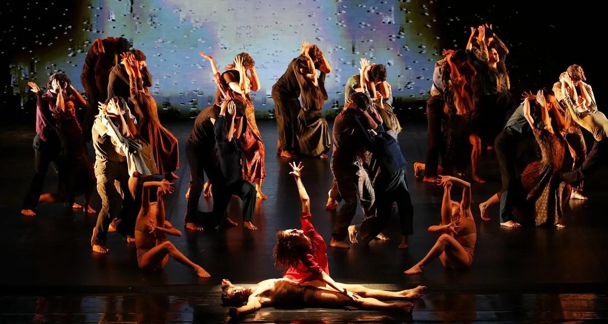 Madina - 50 - Roberto Bolle, Antonella Albano and the corps de ballet, photo by Brescia e Amisano ©Teatro alla Scala (3)