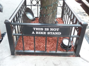 """Ceci n'est pas une 'bike stand.'"""