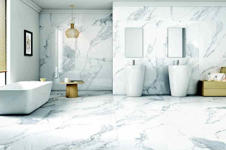 Diferentes materiales de suelos para la reforma de un baño