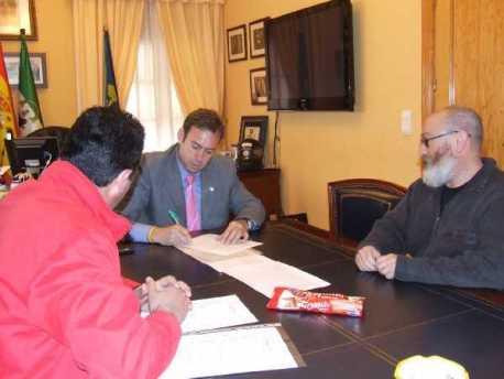 Firma del Convenio de Cualificación Profesional Inicial del IES Cartuja y Ayuntamiento de Jun