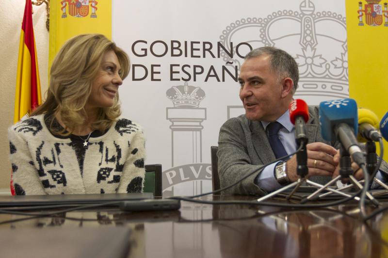 Fibra Óptica Pradollano - Consejera delegada de cetursa Maria Jose Lopez y el subdelegado del gobierno Santiago Perez