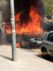 incendio coche marca 1