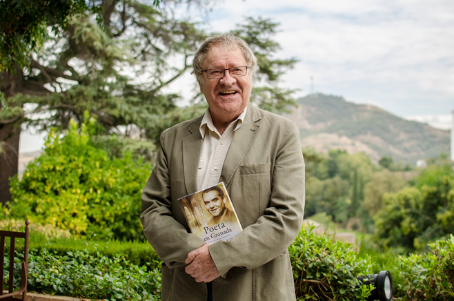 Ian-Gibson-Poeta-en-Granada-(19-de-29)