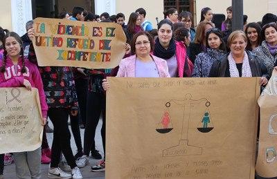 Mercedes-Sánchez-y-Susana-Feixas-alumnos-IES-Zafra-Motril-Gabinete