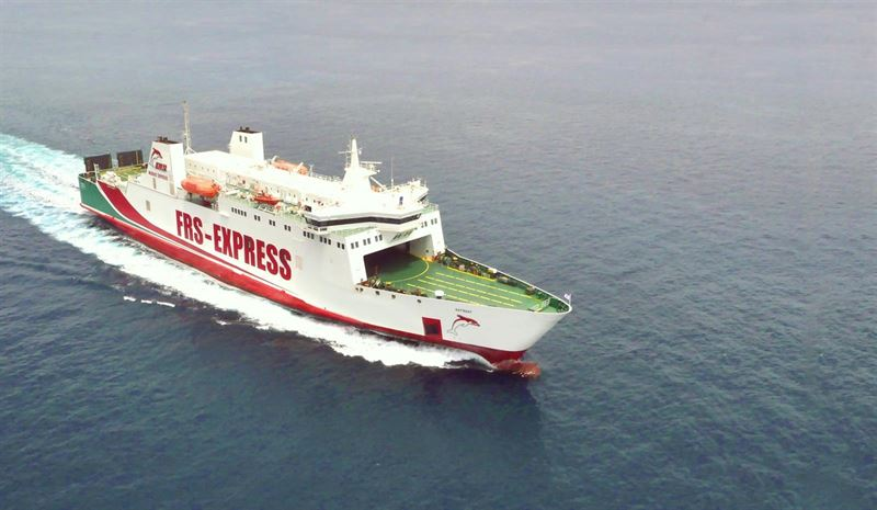 linea puerto motril barco