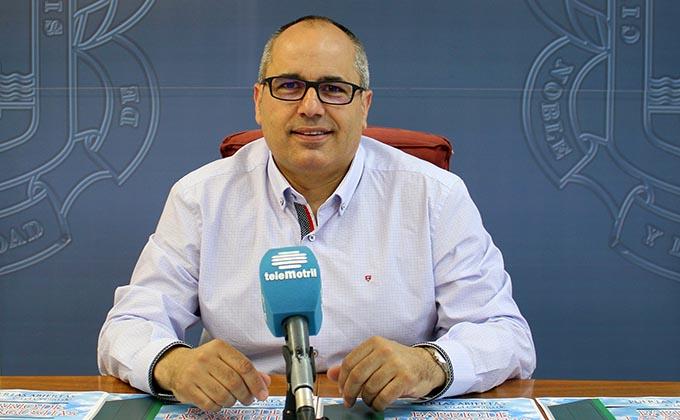 David Martín en la presentación de la Semana de puertas abiertas del centro de barrio de Las Angustias