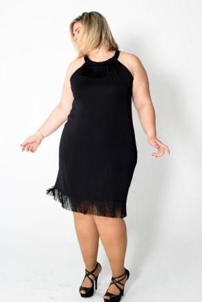 vestido negro de talla grande
