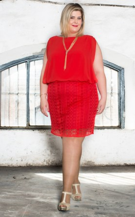 vestido rojo de talla grande