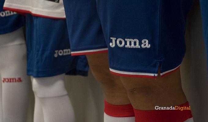 Presentación Primera equipación camiseta Granada CF rojiblanco-17