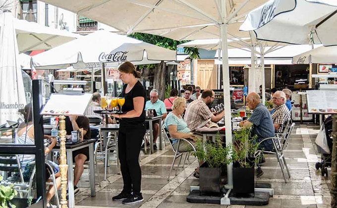 turismo-turistas-terraza1