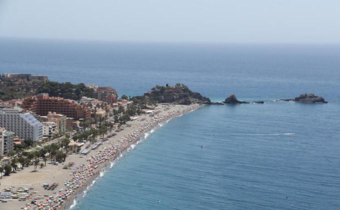 playa-almuñecar-turismo