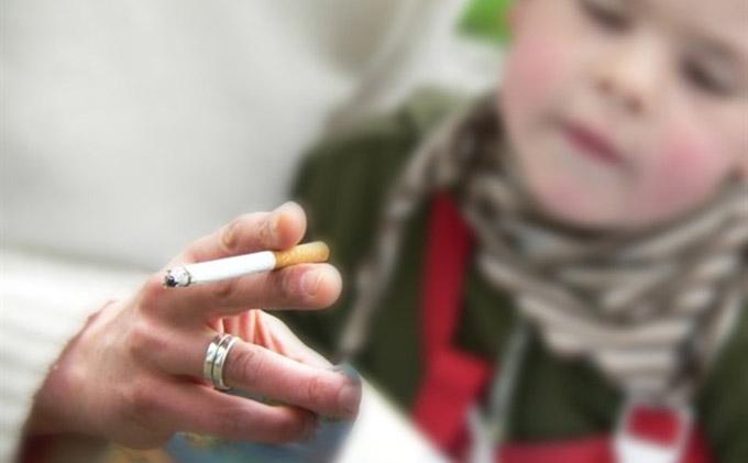 fumador-pasivo-tabaco