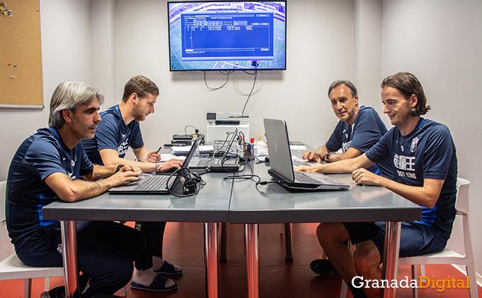 Entrenador Granada CF (12)